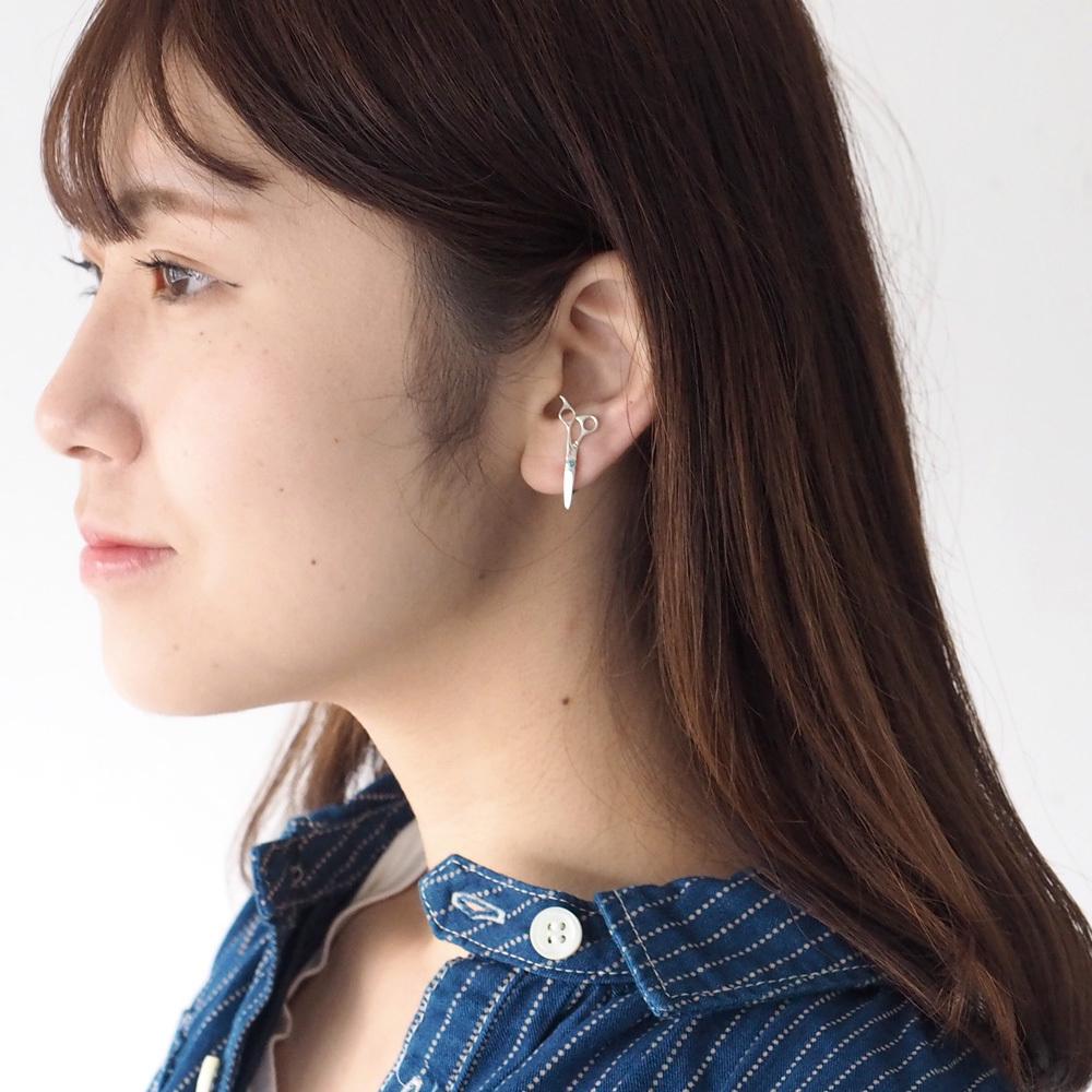 small right(スモールライト) 手作りアクセサリー 美容師のためのハサミイヤリング シルバー 片耳